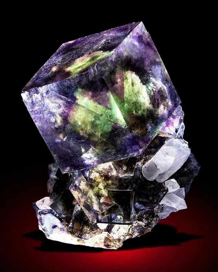 Магический камень Флюорит