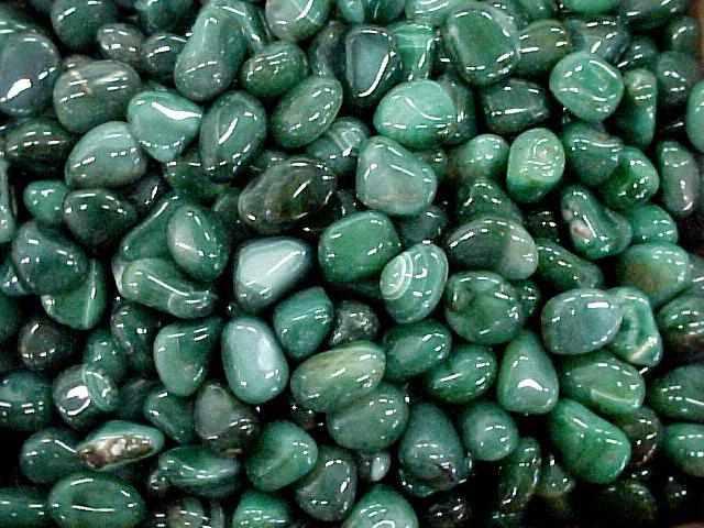 Зеленый кварц: магические свойства для знаков зодиака