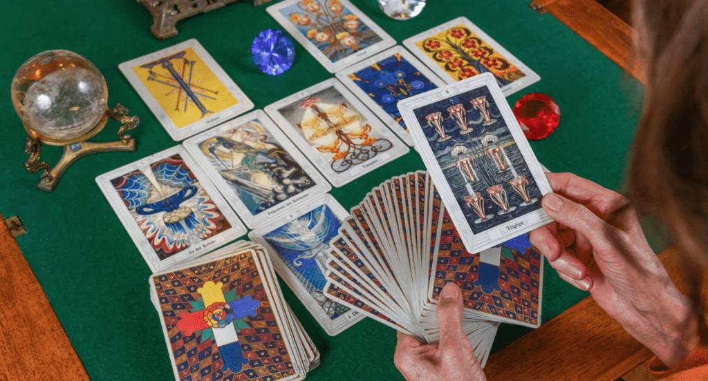 Гадание карт таро на будущие отношения
